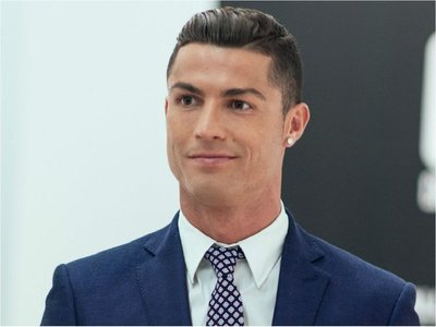 Cristiano invierte en cadena de clínicas de implantes capilares