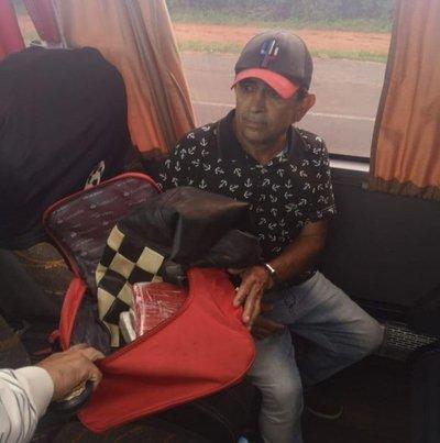 Detienen a pasajero que llevaba droga a Asunción