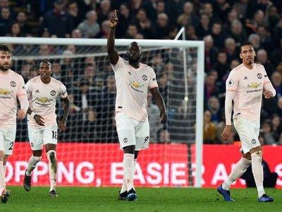 Arsenal y United no fallan y aprietan la lucha por la Champions