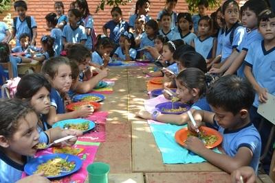 Puentesiño: Exigen almuerzo escolar para todos o nadie