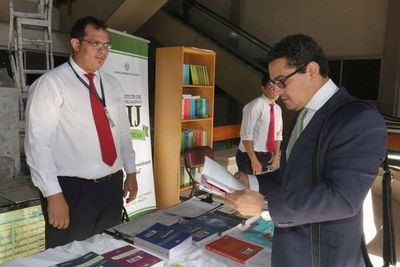 Inician feria de libros en sede judicial de Capital