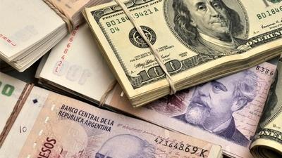Argentina adelanta una subida de 32 dólares al salario mínimo