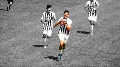 Un crack Caaguaceño que con goles y gran calidad se hace camino en Libertad