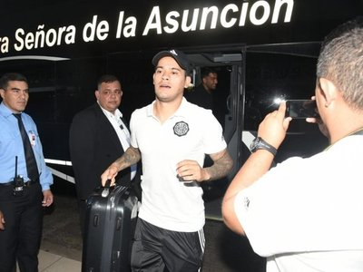 Olimpia viaja con 19 jugadores para su estreno en la Libertadores