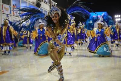 Brasil se enciende con el carnaval