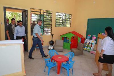 Pobladores de Carayao celebran inversión del Gobierno en Escuela y Colegio de la zona