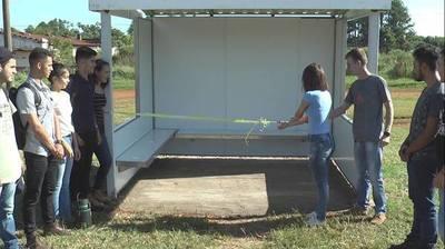 Inauguran parada de ómnibus frente a la facultad de Agronomía de la UNE