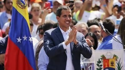 Guaidó busca el apoyo de los trabajadores públicos en escalada contra Maduro