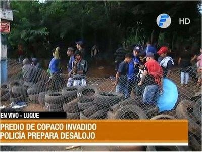 Policía inicia desalojo de familias en predio de la Copaco