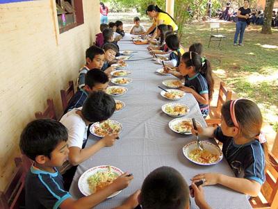 Intendente Godoy no llama a licitación para almuerzo escolar 2019 en Presidente Franco