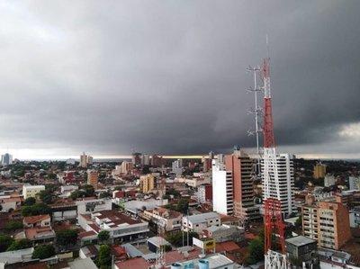 Anuncian tormentas eléctricas para 10 departamentos