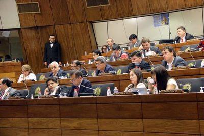 Diputados buscan hacer juicio político