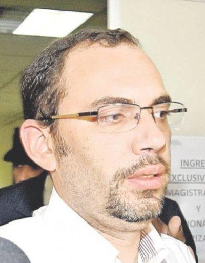 Juez fija preliminar para Raúl Fernández Lippmann