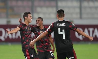 HOY / River Plate rescata un punto en Lima en el inicio de su defensa del título
