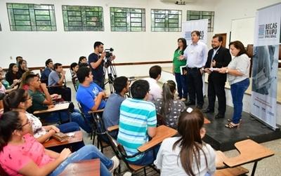 Tras serie de reclamos, postulantes con igualdad de puntos son admitidos como becarios de Itaipú