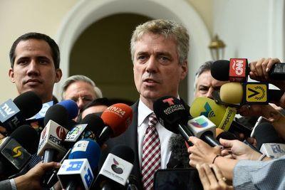 Venezuela expulsa al embajador alemán y enfrenta más sanciones de EEUU