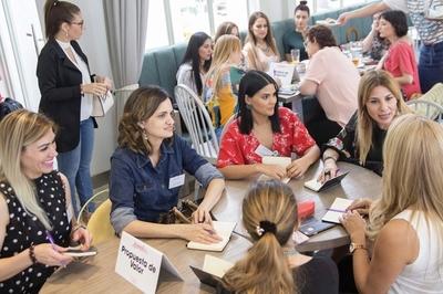 Jornada de capacitación empresarial por el del Día Internacional de la Mujer