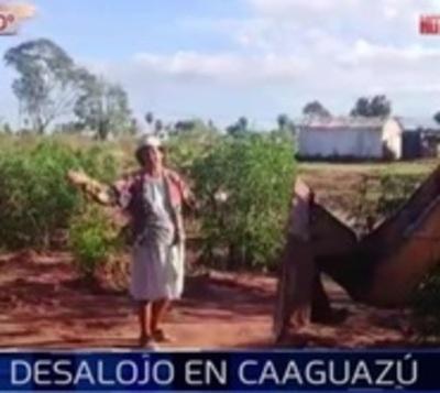 Abuela se plantó frente a tractor que quería destruir casa de su nieto