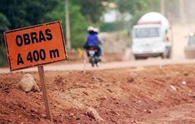 HOY / Para evitar entrar en la zona de crisis gobierno inyectará US$ 900 millones en obras
