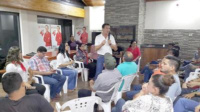 Cabañas se compromete con docentes a utilizar con transparencia el Fonacide
