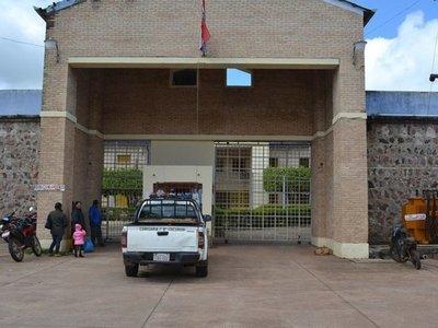 Miembros del PCC presos toman de rehenes a guardiacárceles