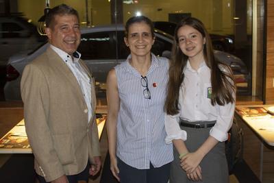 Inauguran renovada pizzería en el Centro de Asunción