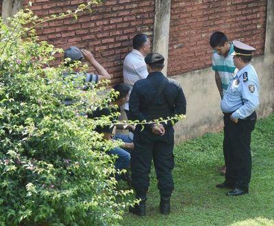 Arresto domiciliario para policías acusados de liberar plata de Cucho