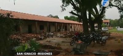 Hallan restos óseos en predio de una escuela