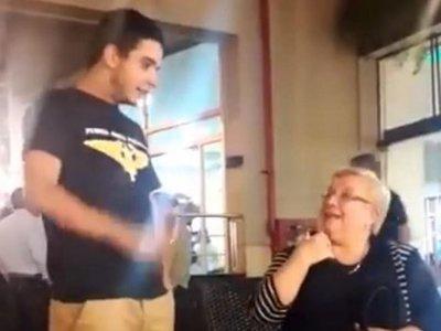 "Abuela ""vapeó"" y se volvió viral"