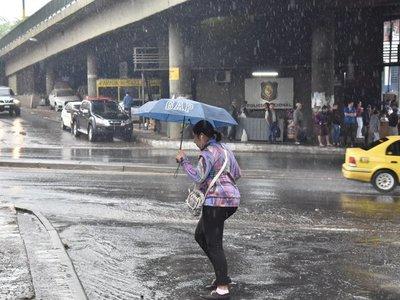 Alerta de tormentas para nueve departamentos del país