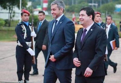 Mario Abdo Benitez viajó a Brasil