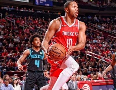 Rockets llegan dominantes al duelo con Warriors