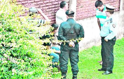 Dan arresto domiciliario a policías en el caso cucho