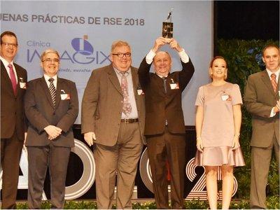 Durante los Premios ADEC piden afianzar el emprendedurismo
