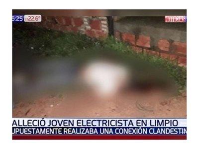 Electricista aprovechó que paró la lluvia para trabajar y acabó electrocutado
