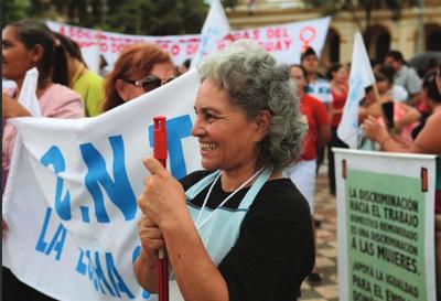 Senado se ratifica en que trabajadoras domésticas ganen el 100% del salario mínimo