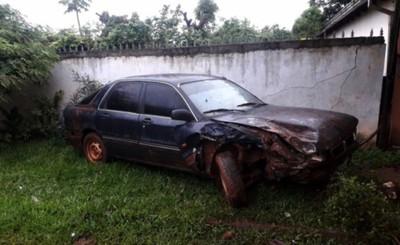 """""""Bro"""" ebrio al volante embiste por vehículo estacionado y corre"""