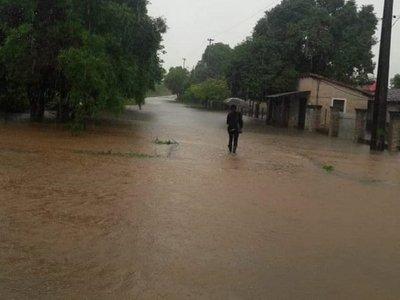 Rige alerta de lluvias y tormentas para siete departamentos