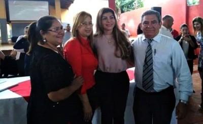 Llamativa presencia de Lilian González en visita de Perla al CEM