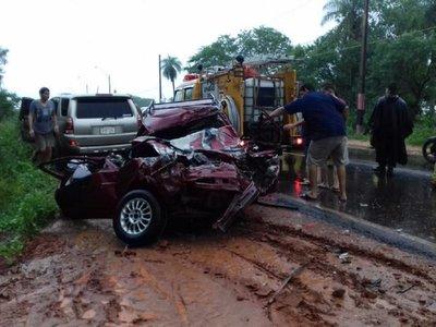 Accidente de tránsito deja dos fallecidos y un herido en Limpio