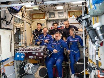 Vuelven a ser seis los tripulantes de la Estación Espacial