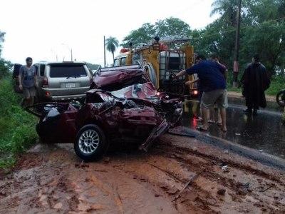 Accidente de tránsito deja dos fallecidos y un herido en Limpio – Prensa 5