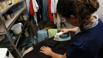 Trabajadoras percibieron más de 1.200 millones mediante mediación laboral