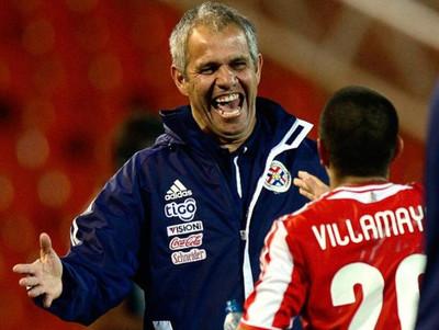Futbolistas y clubes recuerdan a Víctor Genes