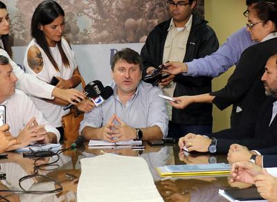 Gobierno creará líneas de créditos acorde a las necesidades de los pequeños productores