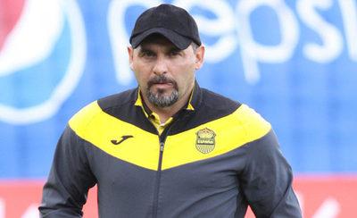 Tato García llega para tomar la conducción de Deportivo Santaní