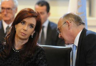 Juez imputa de nuevo con prisión a Cristina Fernández por corrupción