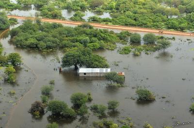 Emergencia Nacional asistirá a más de 3000 familias por las inundaciones