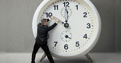 Este domingo se atrasa la hora – Prensa 5