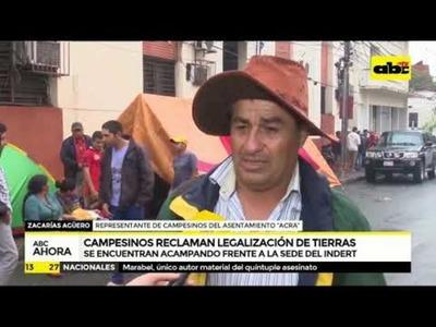 Campesinos reclaman legalización de tierras